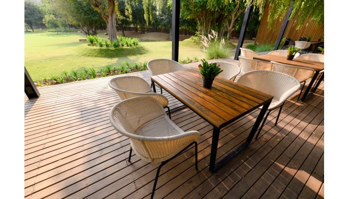 Sfaturi pentru întreținerea terasei din lemn